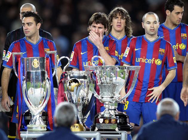 (FromL) Barcelona's midfielder Andres In