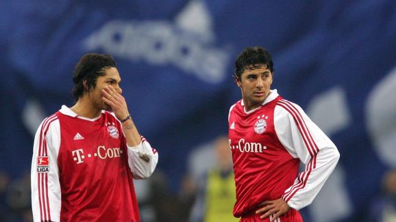 Fussball: 1. BL 04/05, FC Schalke 04 - FC Bayern Muenchen