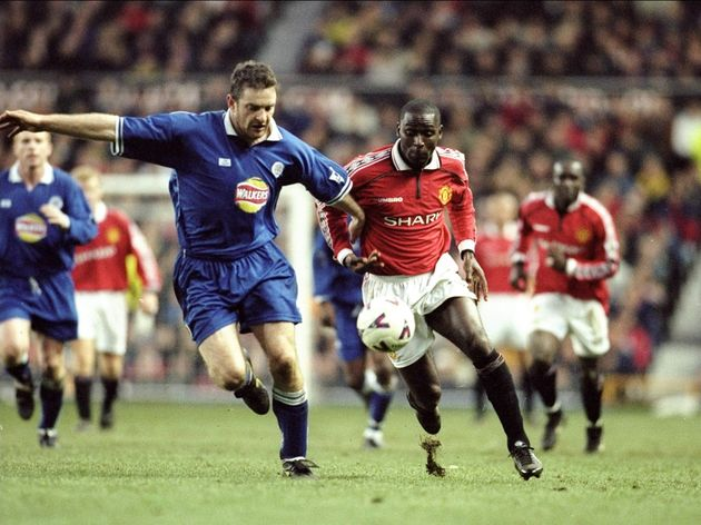 Gerry Taggart of Leicester    Andy Cole of Manchester United