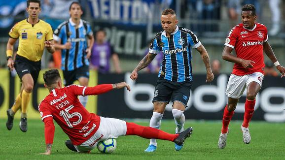 Everton,Victor Cuesta