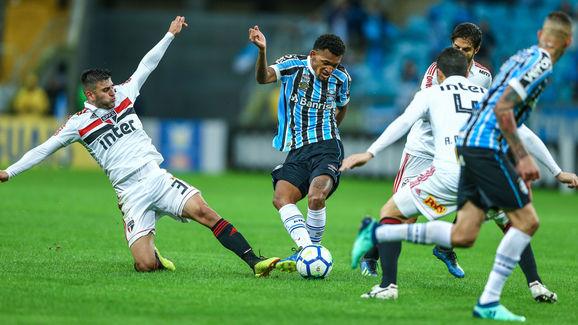 Gremio v Sao Paulo - Brasileirao Series A 2018
