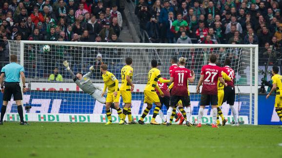 Hannover 96 v Borussia Dortmund - German Bundesliga