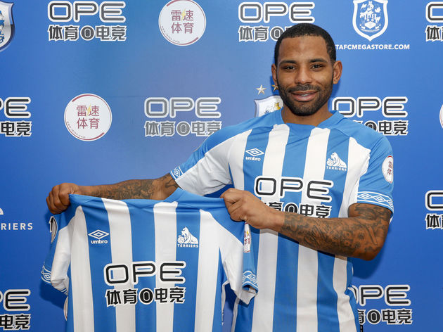 Huddersfield Town Unveil New Loan Signing Jason Puncheon