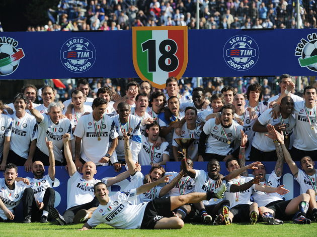 Inter Milan's players celebrate after th