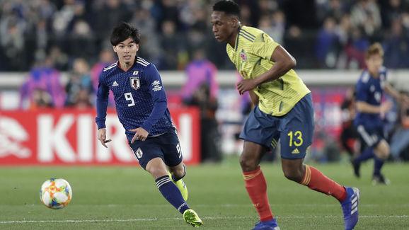 Takumi Minamino,Yerry Mina