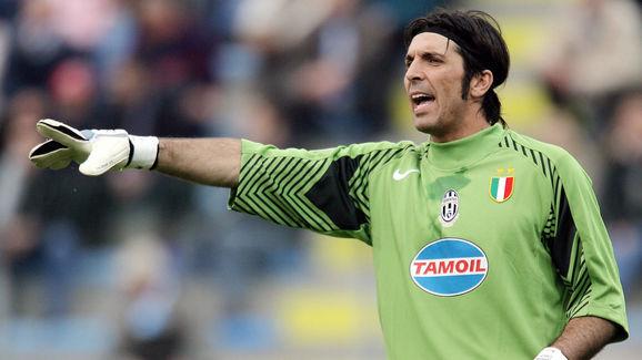 Juventus' Italian goalkeeper Gianluigi B