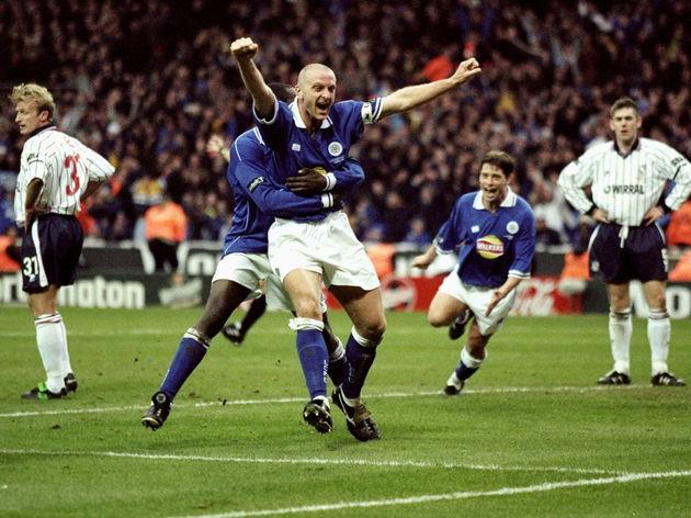Matt Elliott of Leicester City celebrates