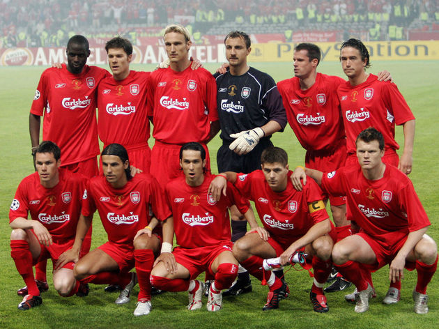 Liverpool players (1st row, L-R) Stephen