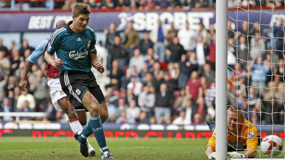 Liverpool's English player Steven Gerrar