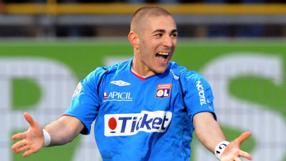 Lyon�s French forward Karim Benzema jubi