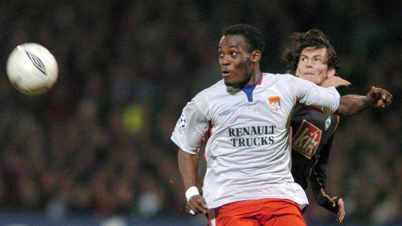 Lyon's Ghanean midfielder Michael Essien
