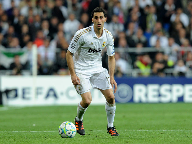 Madrid's defender Alvaro Arbeloa plays t