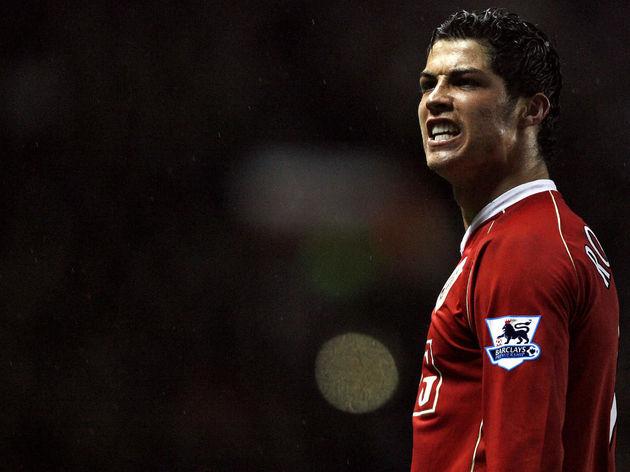 Manchester United's Cristiano Ronaldo ce