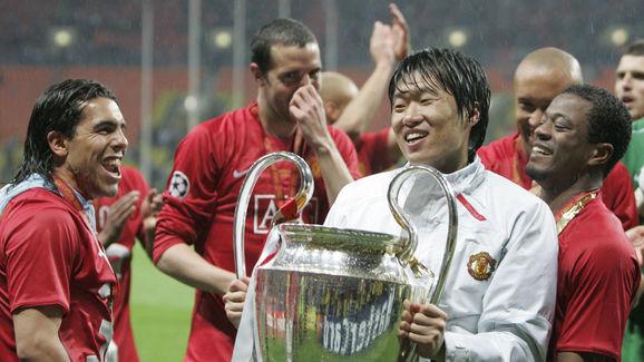 Manchester United's South Korean midfiel