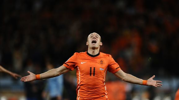 Netherlands' striker Arjen Robben celebr