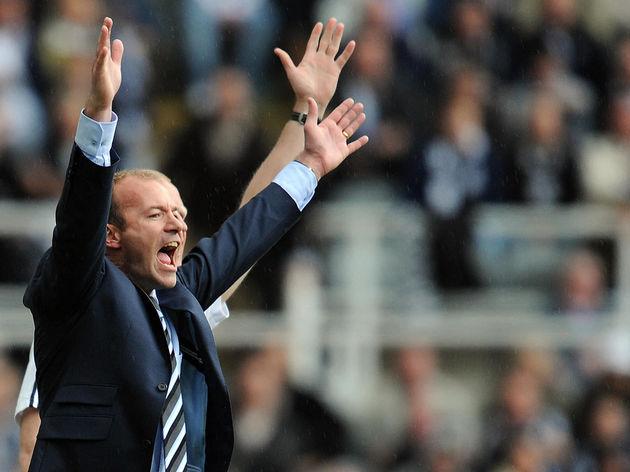 Newcastle United manager Alan Shearer (L