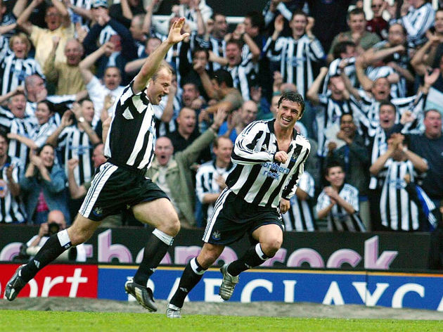 Newcastle United's Alan Shearer (L) cele