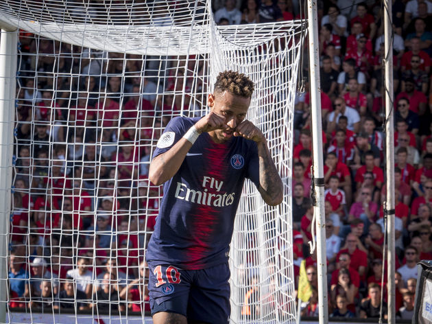 Nimes Olympique v Paris Saint-Germain - Ligue 1