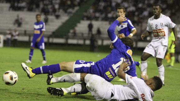 Once Caldas (COL) v Cruzeiro (BRA) - Santander Libertadores Cup 2011