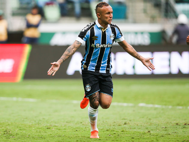 Everton Agree Personal Terms With Gremio Forward Everton Soares Ahead Of January Transfer 90min