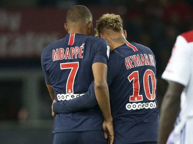 Paris Saint-Germain v Olympique Lyonnais - Ligue 1