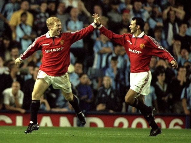 Paul Scholes and Ryan Giggs of Man Utd
