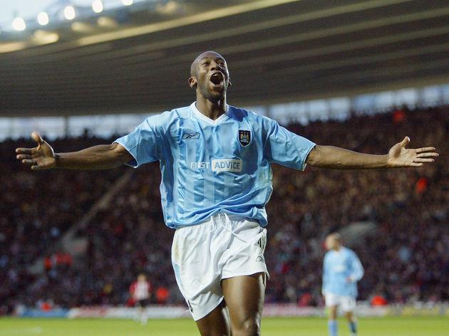 Paulo Wanchope celebrates