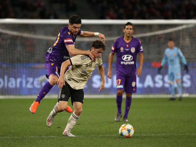 Bruno Fornaroli,Daniel James