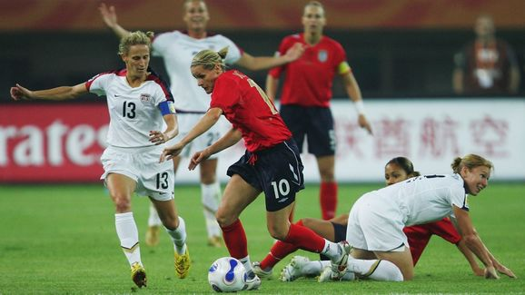 Kristine Lilly,Kelly Smith