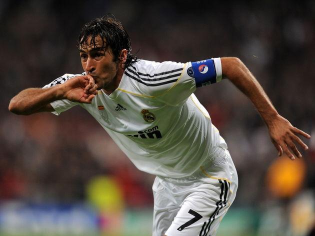 Real Madrid's captain Raul Gonzalez cele