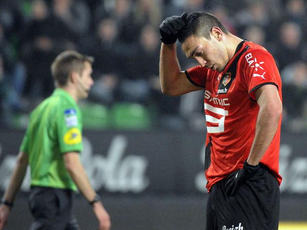 Rennes' Turkish forward Mevlut Erding (R