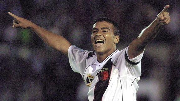 Romario of Vasco da Gama, celebrates his goal, giv