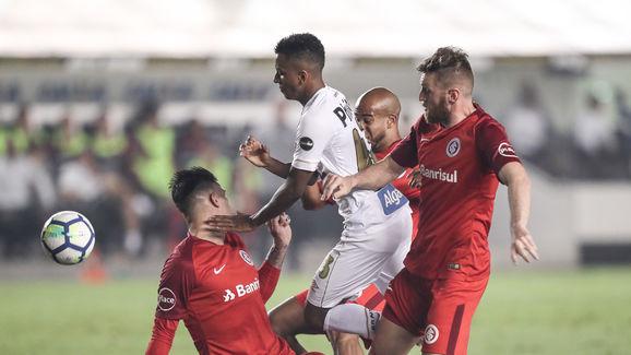 Santos v Internacional - Brasileirao Series A 2018