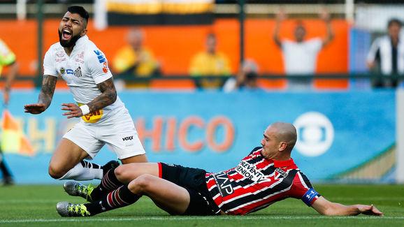 Santos v Sao Paulo - Brasileirao Series A 2016
