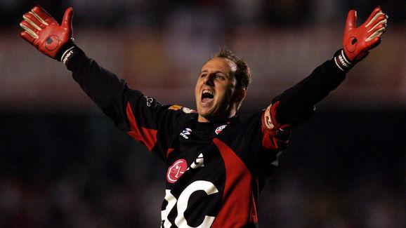 Sao Paulo's goalkeeper, Rogerio Ceni, ce