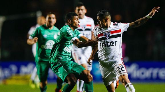Everton,Marcio Araujo