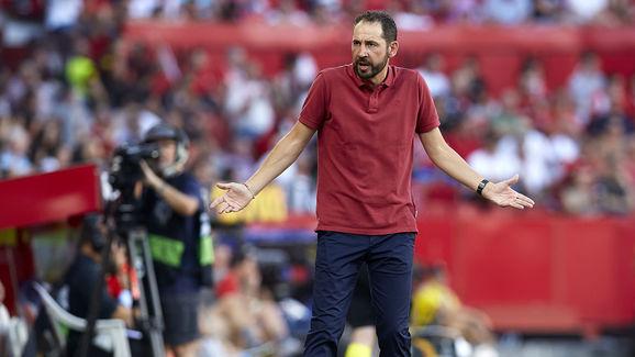 Sevilla v Royal Standard de Liege - UEFA Europa League - Group J