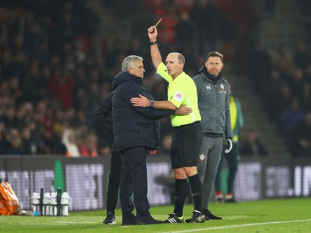 Mike Dean,Jose Mourinho