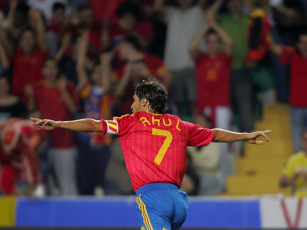Spain?s Raul Gonzalez  celebrates his go