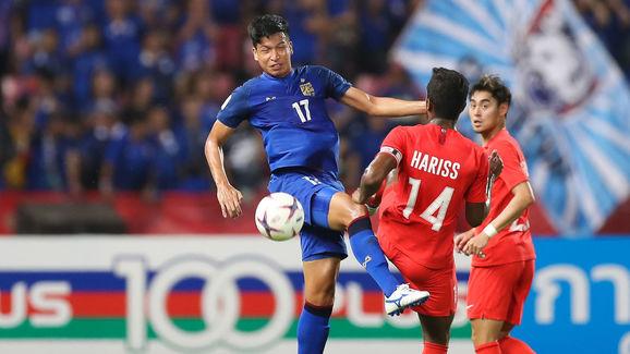 Thailand v Singapore - AFF Suzuki Cup Group B