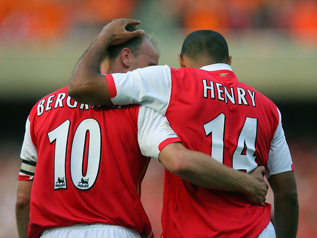 Thierry Henry (R) of Arsenal celebrates