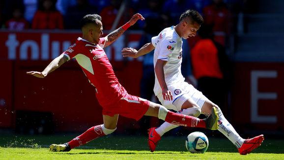 Rodrigo Salinas - Soccer Player,Roberto Alvarado