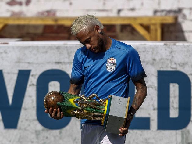 TOPSHOT-FBL-BRAZIL-NEYMAR-PROJECT