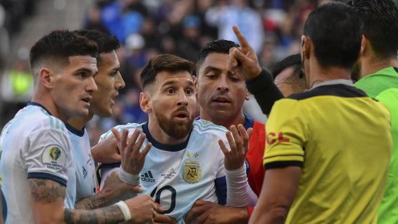 TOPSHOT-FBL-COPA AMERICA-2019-ARG-CHI