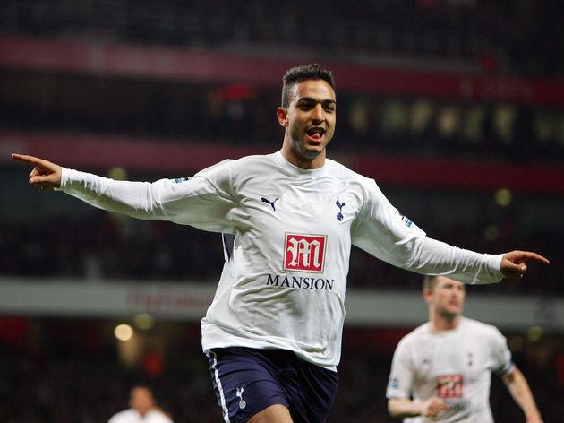 Tottenham Hotspur's Mido celebrates afte...