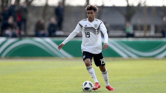 Linton Maina für die U19 Deutschlands