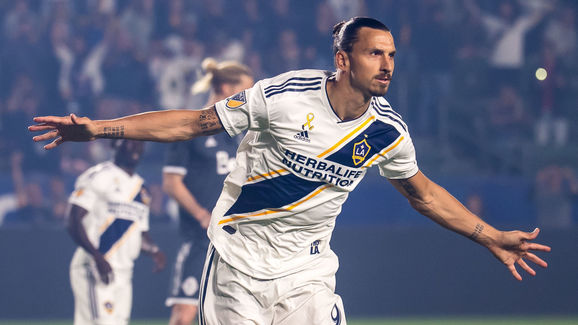 Vancouver Whitecaps v Los Angeles Galaxy