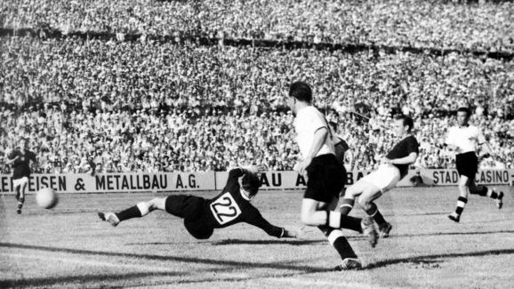 WORLD CUP-1954-HUNGARY-GERMANY