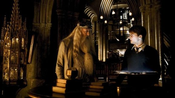 Dumbledore Understood when Others spoke Parsletongue in the pensieve