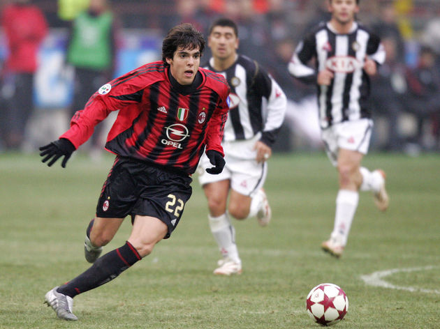 AC Milan's Brazilian midfielder Kaka (L)